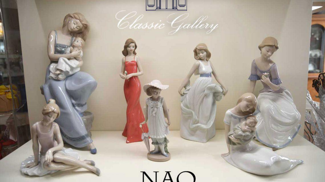 "Statuine in Porcellana ""NAO"""
